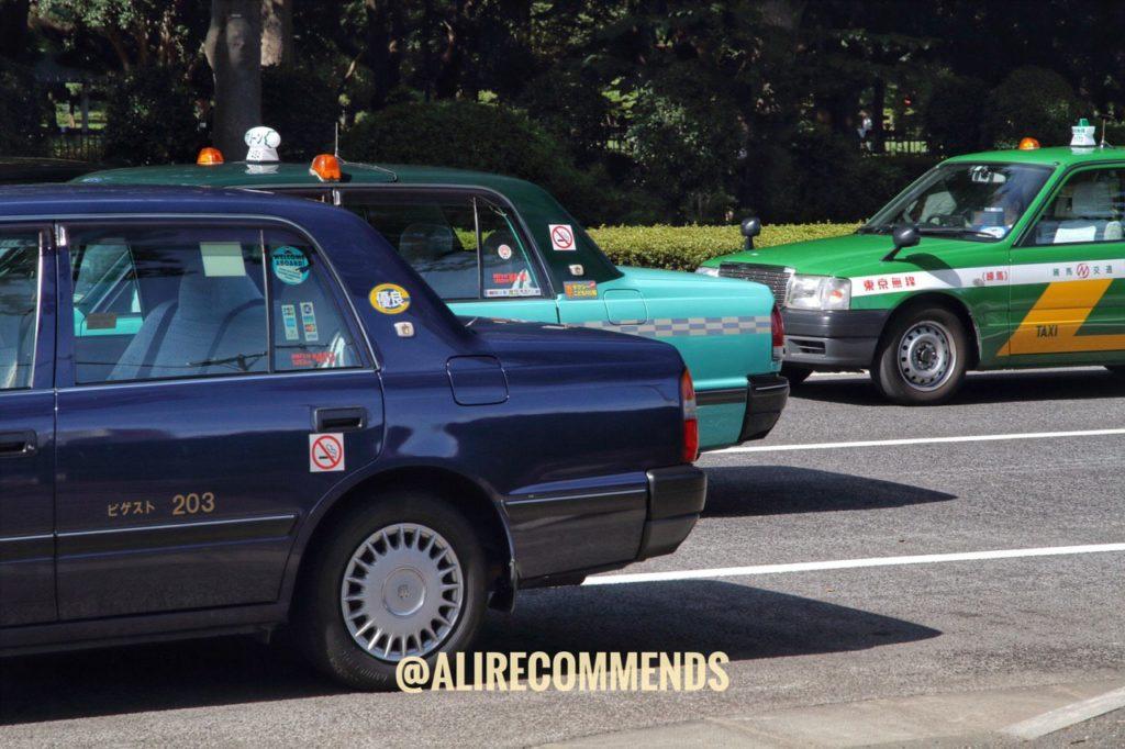 خودروهای رنگارنگ در توکیو.