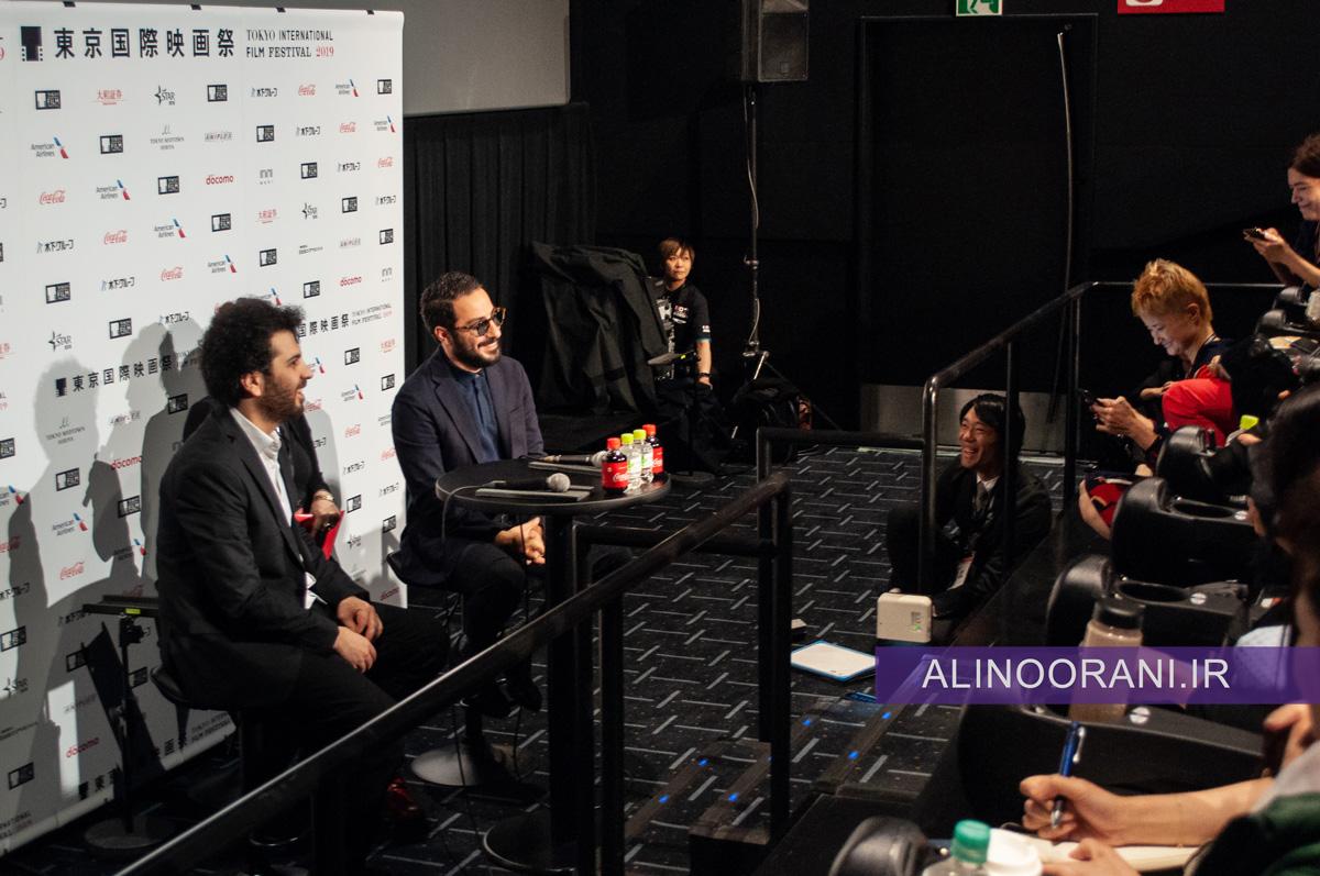 سعید روستایی کارگردان و نوید محمدزاده بازیگر اصلی متری شش و نیم در جلسه پرسش و پاسخ جشنواره فیلم توکیو 2019