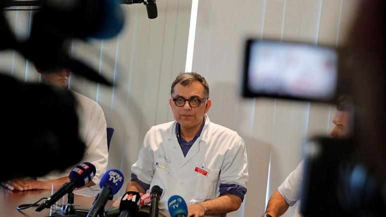 دکتر یزدان یزدان پناه مسول بالینی، درمانی و تحقیقاتی بیماری کوید-۱۹   -  کپی رایتAP