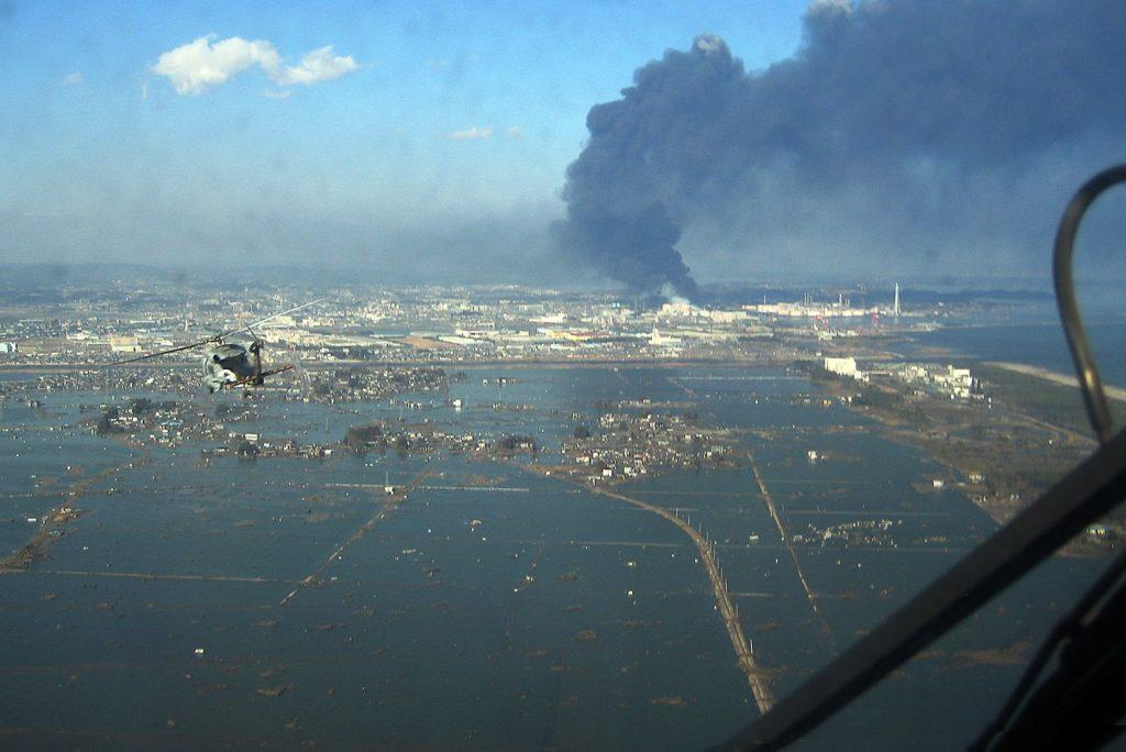 تصویری هوایی از فاجعه سونامی سال 2011 ژاپن. منبع ویکی پدیا