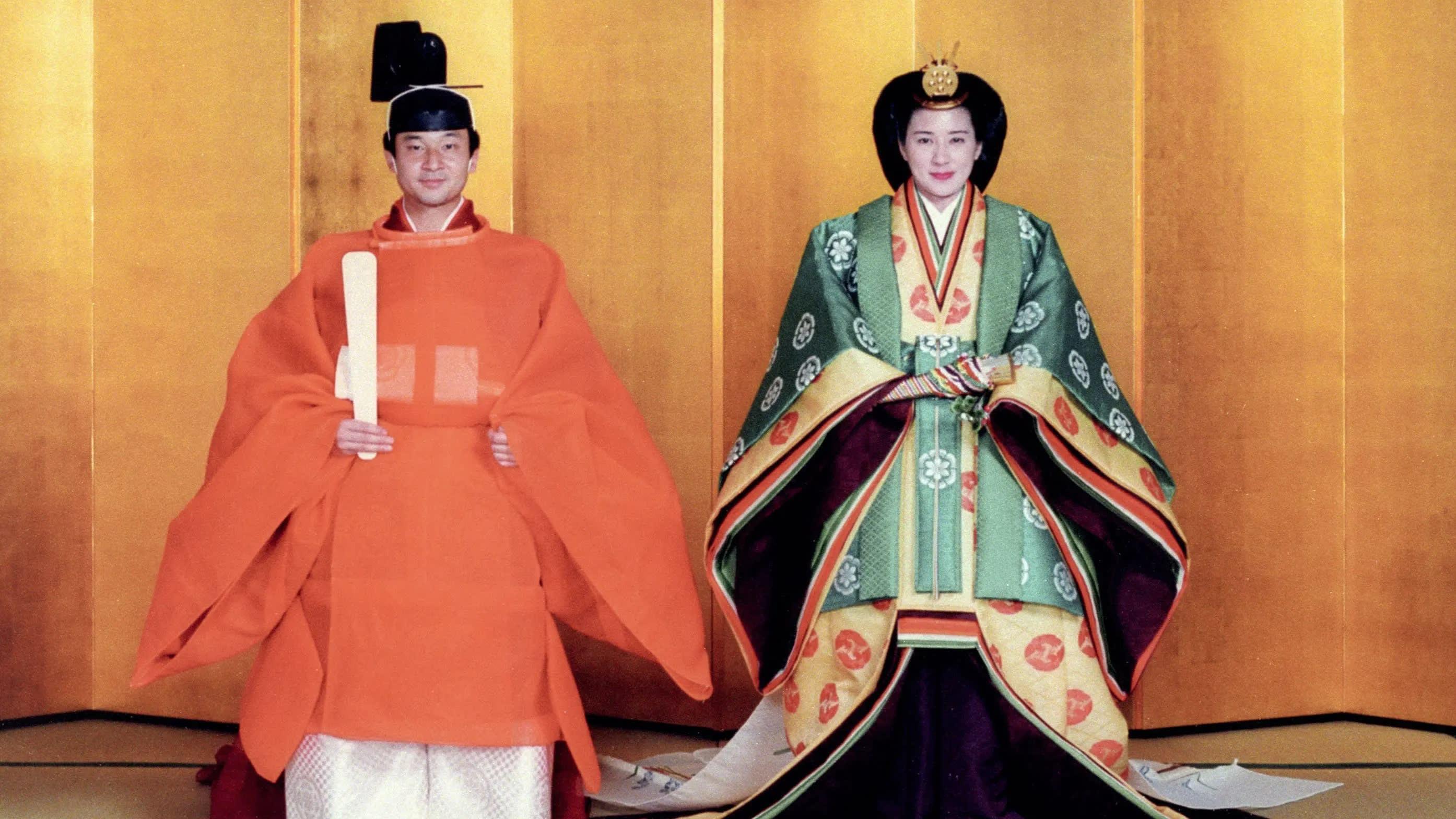 عکس ازدواج امپراتور ناروهیتو با ملکه ماساکو در 1993