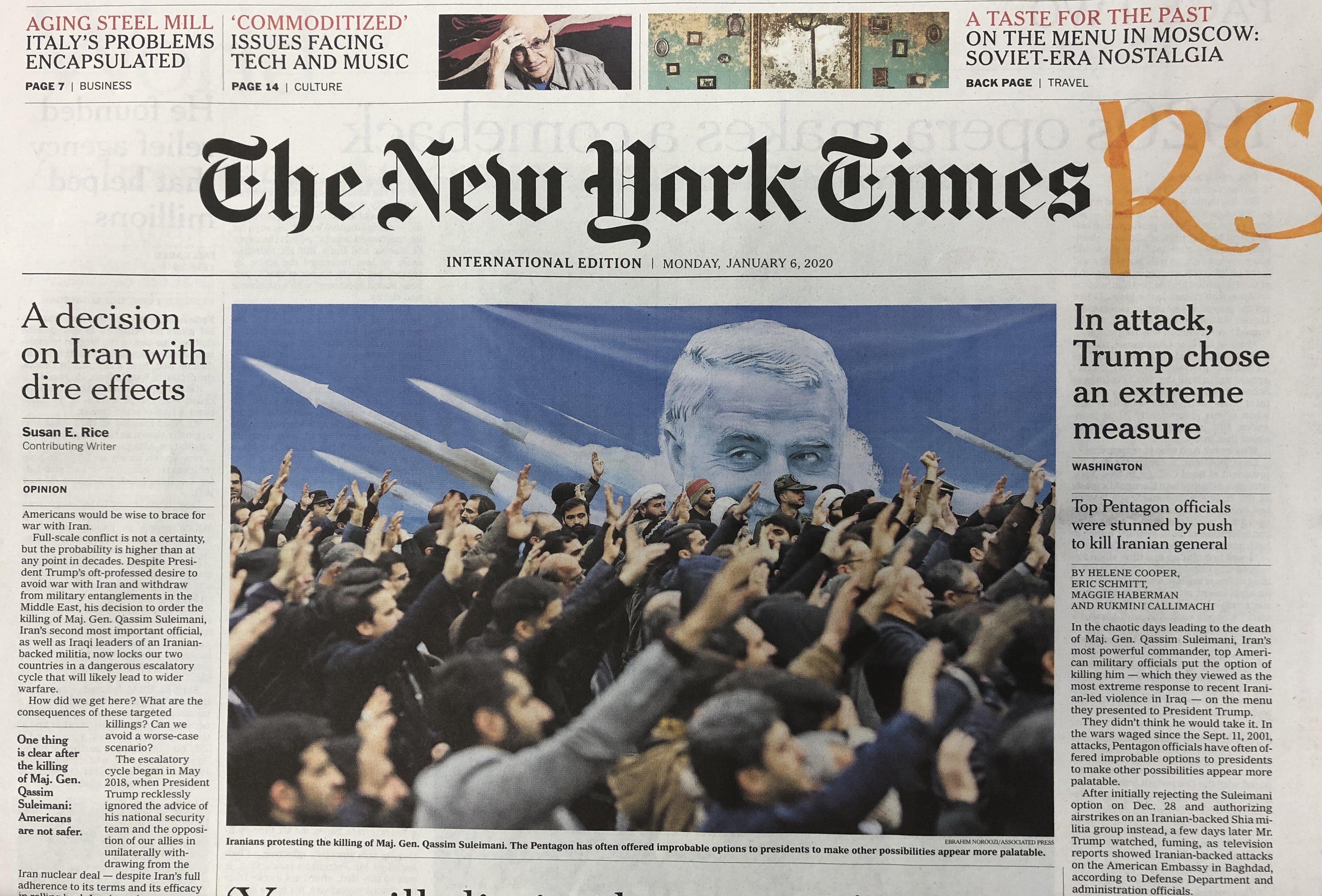 ایرانی ها در سوگ سردار سلیمانی. تصویر یک روزنامه نیویورک تایمز در شش ژانویه